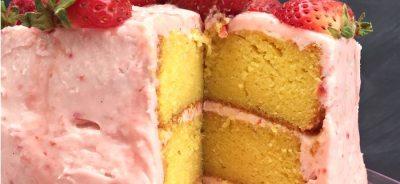 strawberry lemonade cake cream cheese frosting main