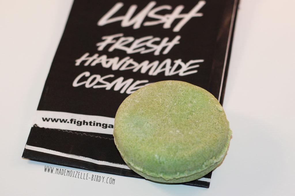 shampoing-solide-lush-karma-bomba-mademoizelle-birdy-avis-blogueuse-02