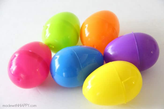 Plastic Easter Egg Pots | Easter Decorations | Easter Table Settings | Rainbow Easter | www.madewithHAPPY.com