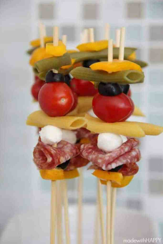 Pasta Salad Skewers - Your new healthy go-to recipe for all your Summer BBQ's #RonzoniSummer #Pmedia #ad