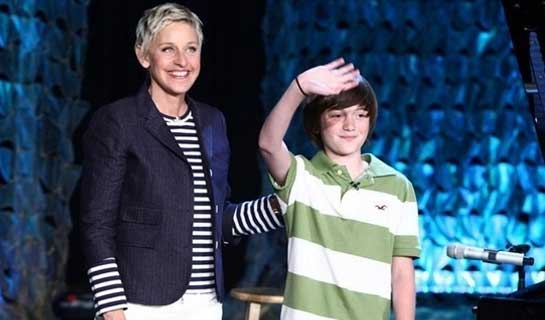Greyson Chance Performs 'Paparazzi' by Lady Gaga On The Ellen Degeneres Show
