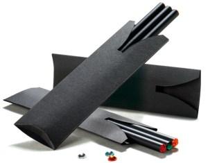 Funda de cartón para tres lápices