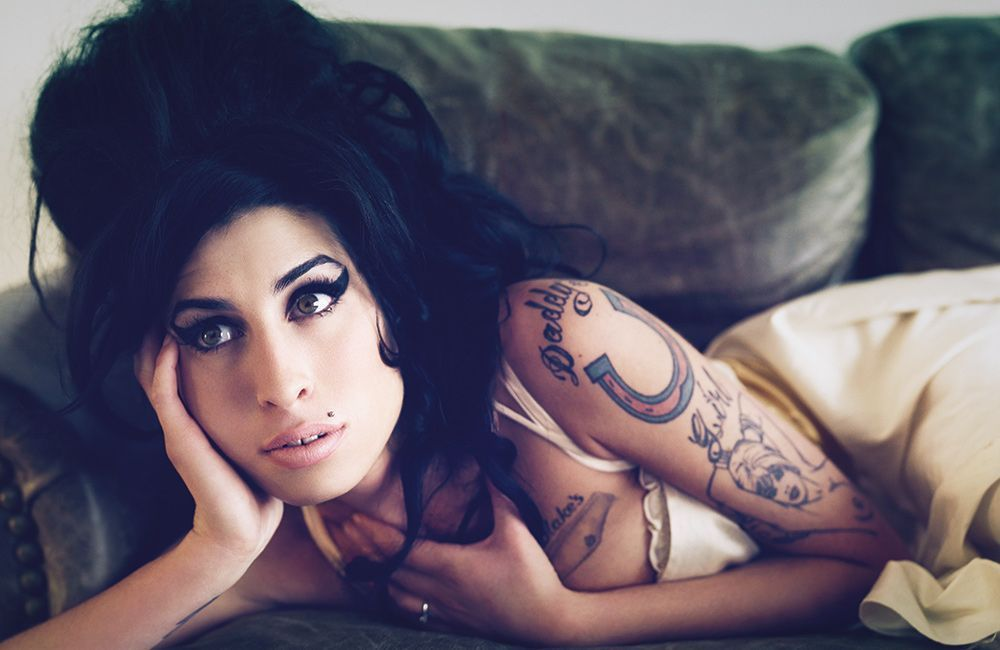 Amy-Winehouse-Lioness-1_2011-CMS-Source