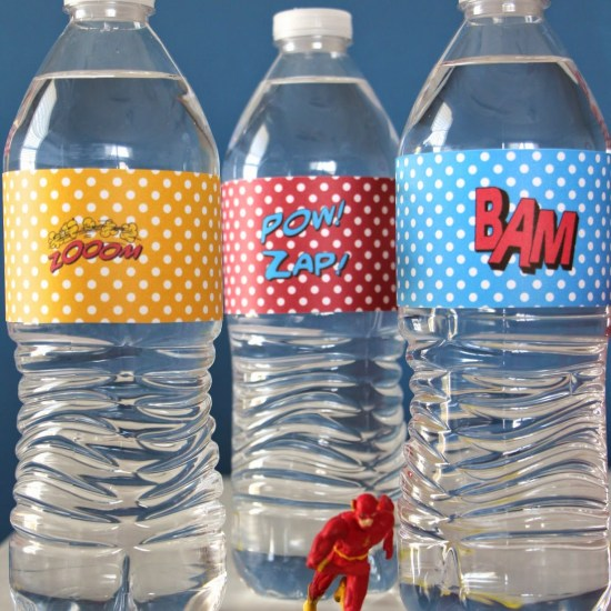 superhero_party_table_water_bottle