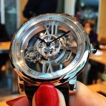 Rotonde de Cartier Astrotourbillon Squelette vu par revolution_ig