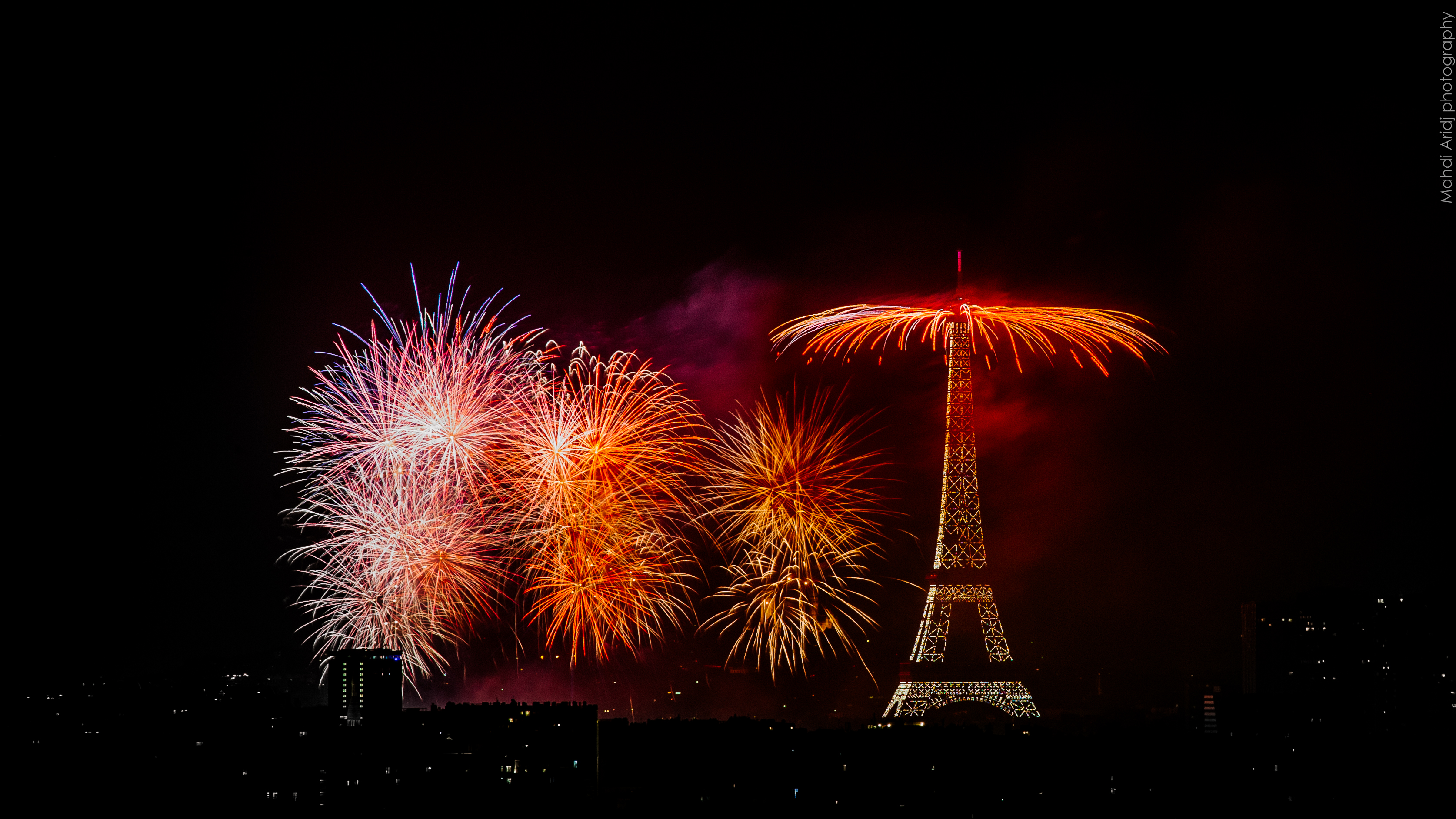 Fireworks of the Bastille day   Paris   Mahdi Aridj Photography Feu d artifice du 14 Juillet 2018   Paris 5  Fireworks of the Bastille day