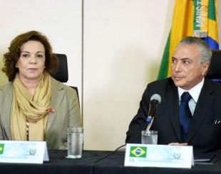 Indicada para a Secretaria de Políticas para as mulheres, Fátima Pelaes, com Michel Temer