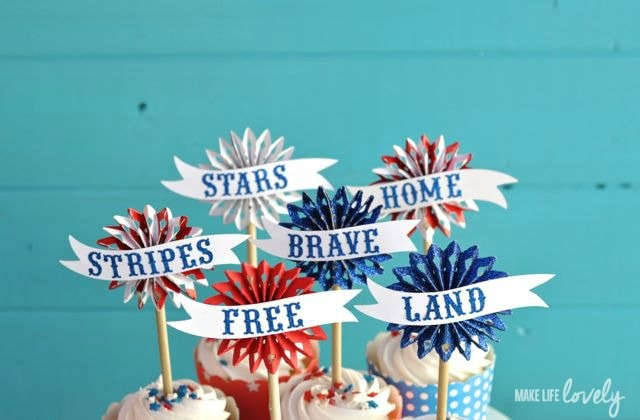 4th of July Cupcake Toppers Tutorial | by Make Life Lovely