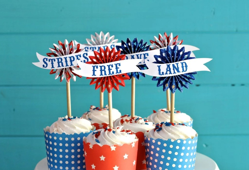 Fourth of July Cupcake Toppers | by Make Life Lovely