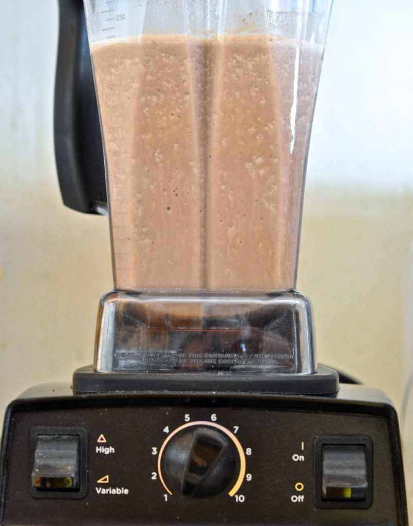 Mix all the smoothie ingredients in the blender