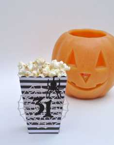 Halloween Popcorn Box + a Giveaway