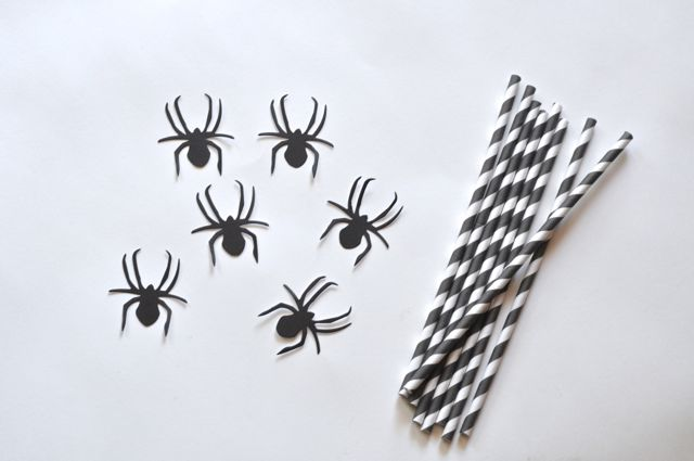 Halloween straws tutorial with Sizzix