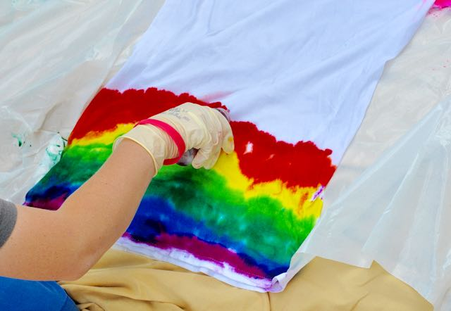 How to tie dye with kids