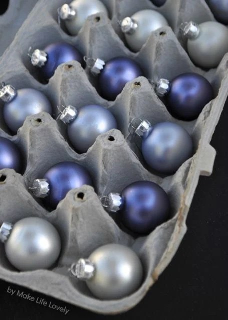 Use an egg carton to safely store your Christmas ornaments. So smart!