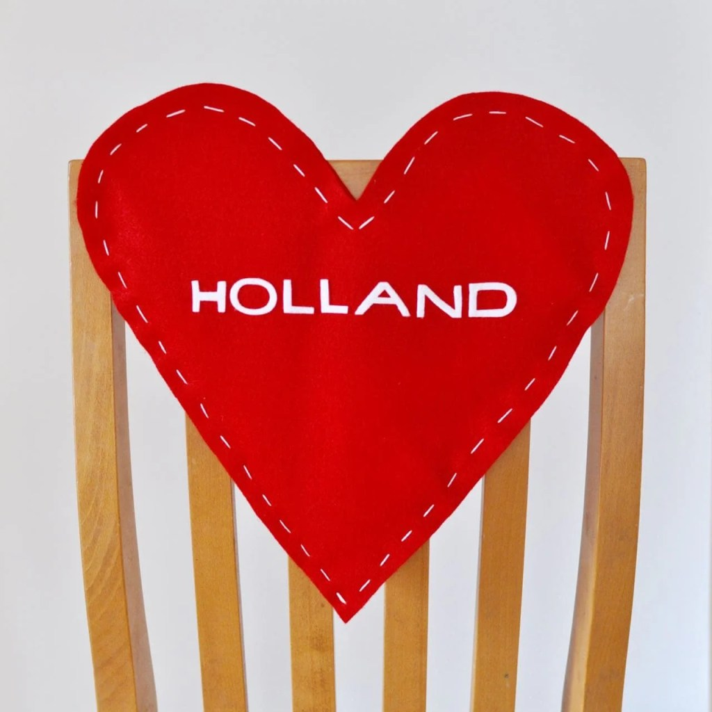 Valentine's Day Chair Backer DIY