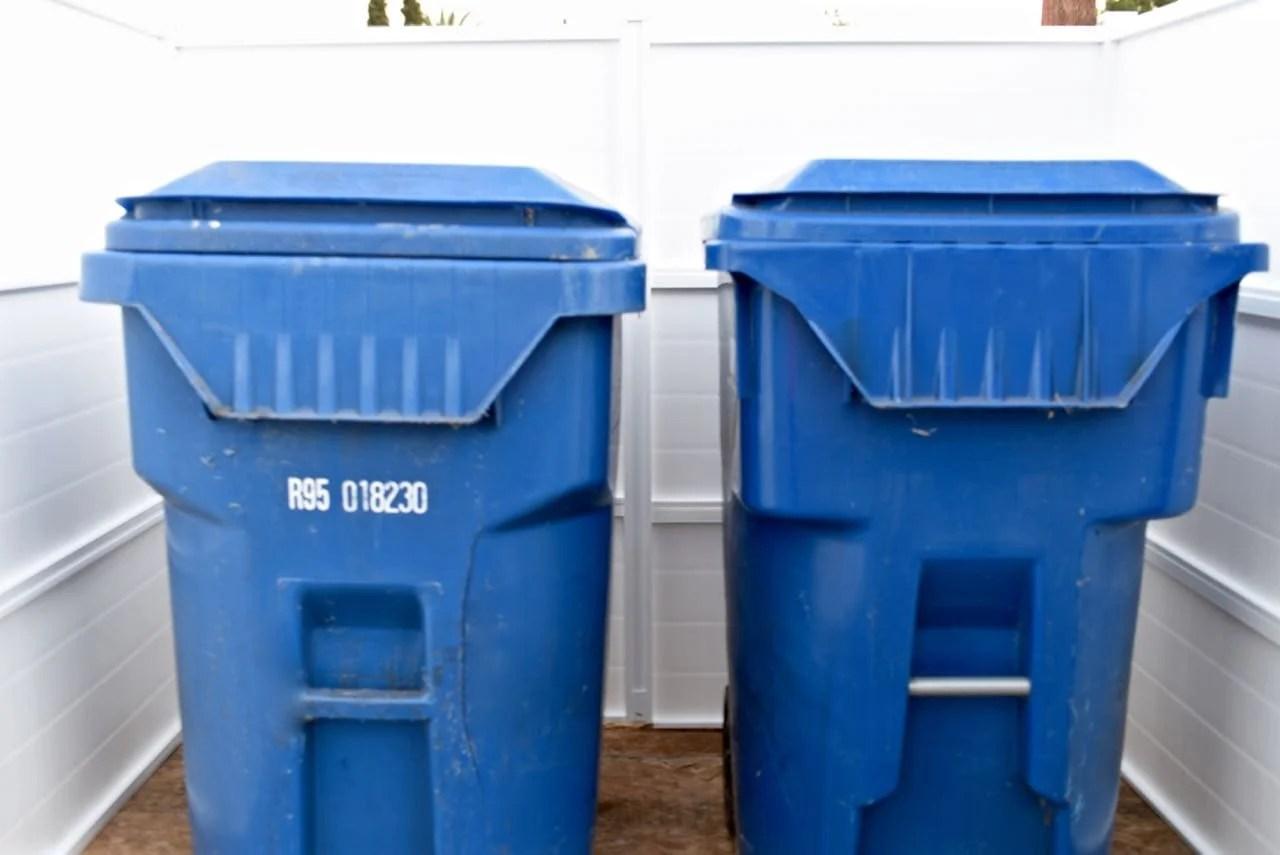 DIY Trash Can Enclosure