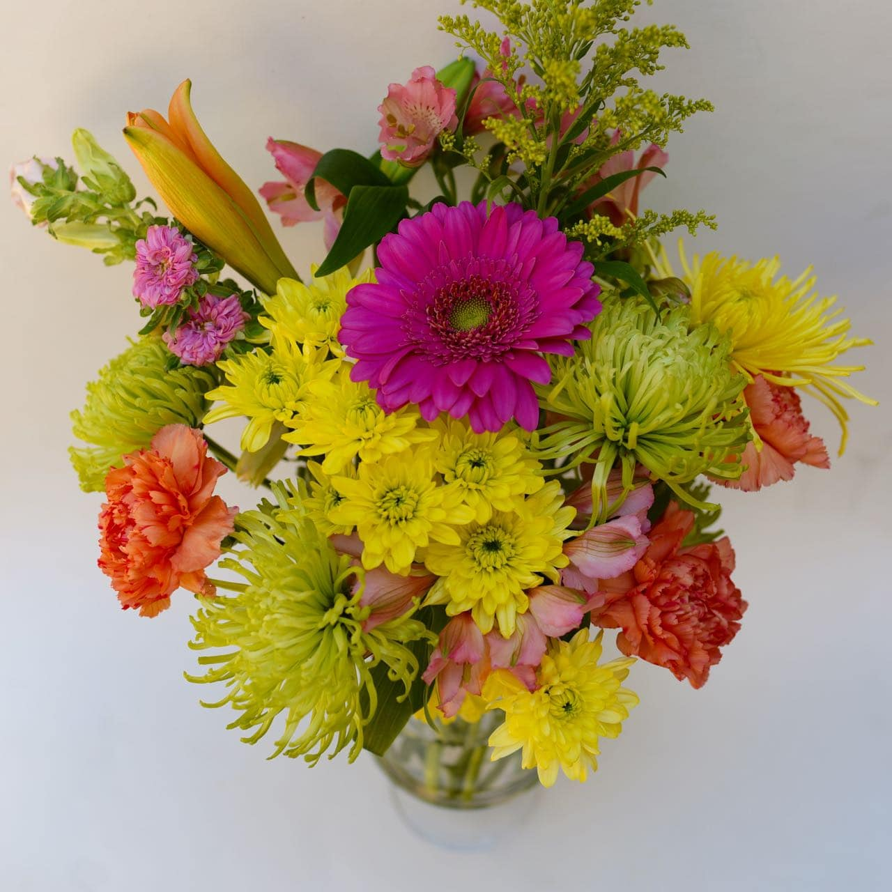 Grocery store flowers hack. How to make a flower arrangement from grocery store flowers!