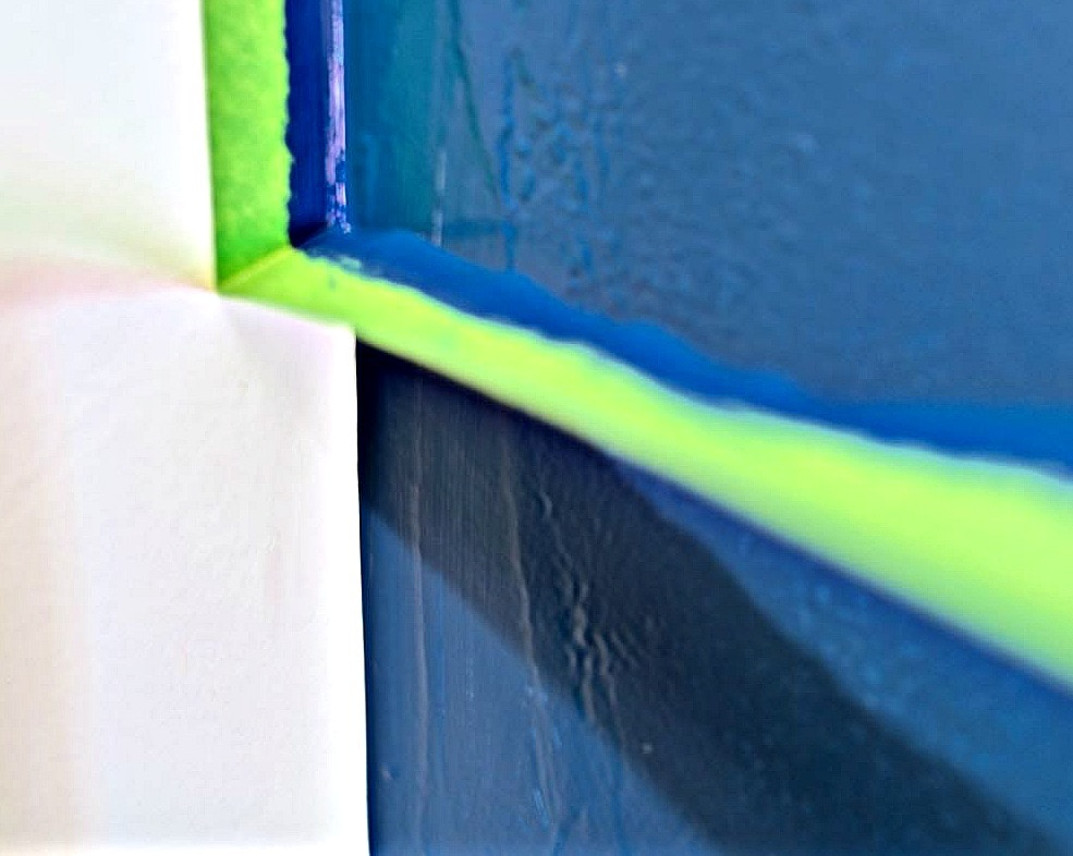 How to get sharp paint lines on a navy blue accent wall