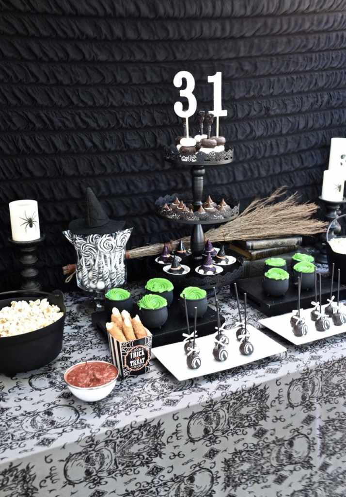 Witch Halloween party. So many cute Halloween food ideas!