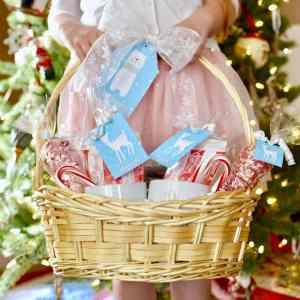 Hot Cocoa Gift Basket + Cute Printable Tags