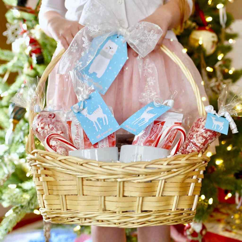 Hot cocoa gift basket DIY
