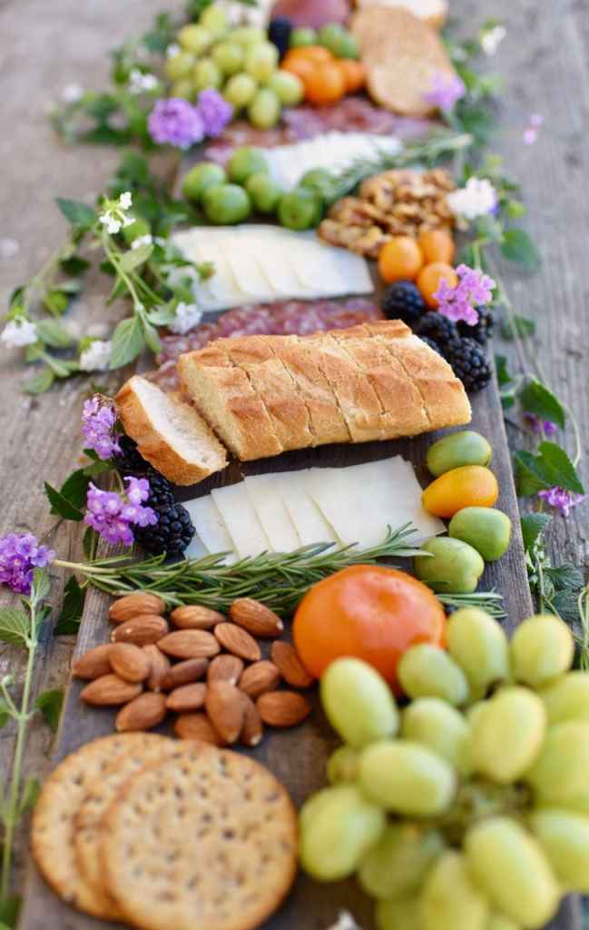 How to make a lovely and EASY charcuterie and cheese plate, perfect for entertaining.