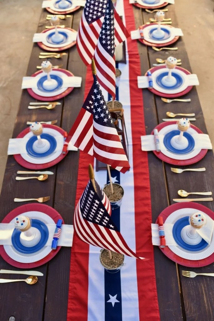 Rustic 4th of July table setting, perfect for a Fourth of July party