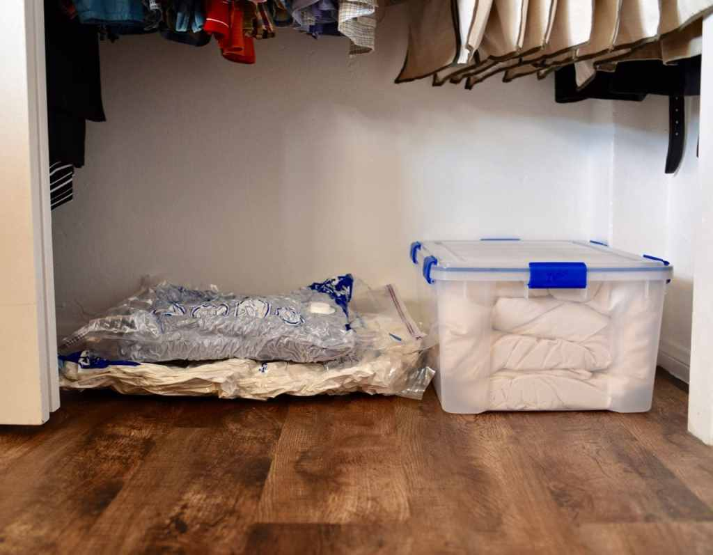 Small closet organization trick with Space Bags