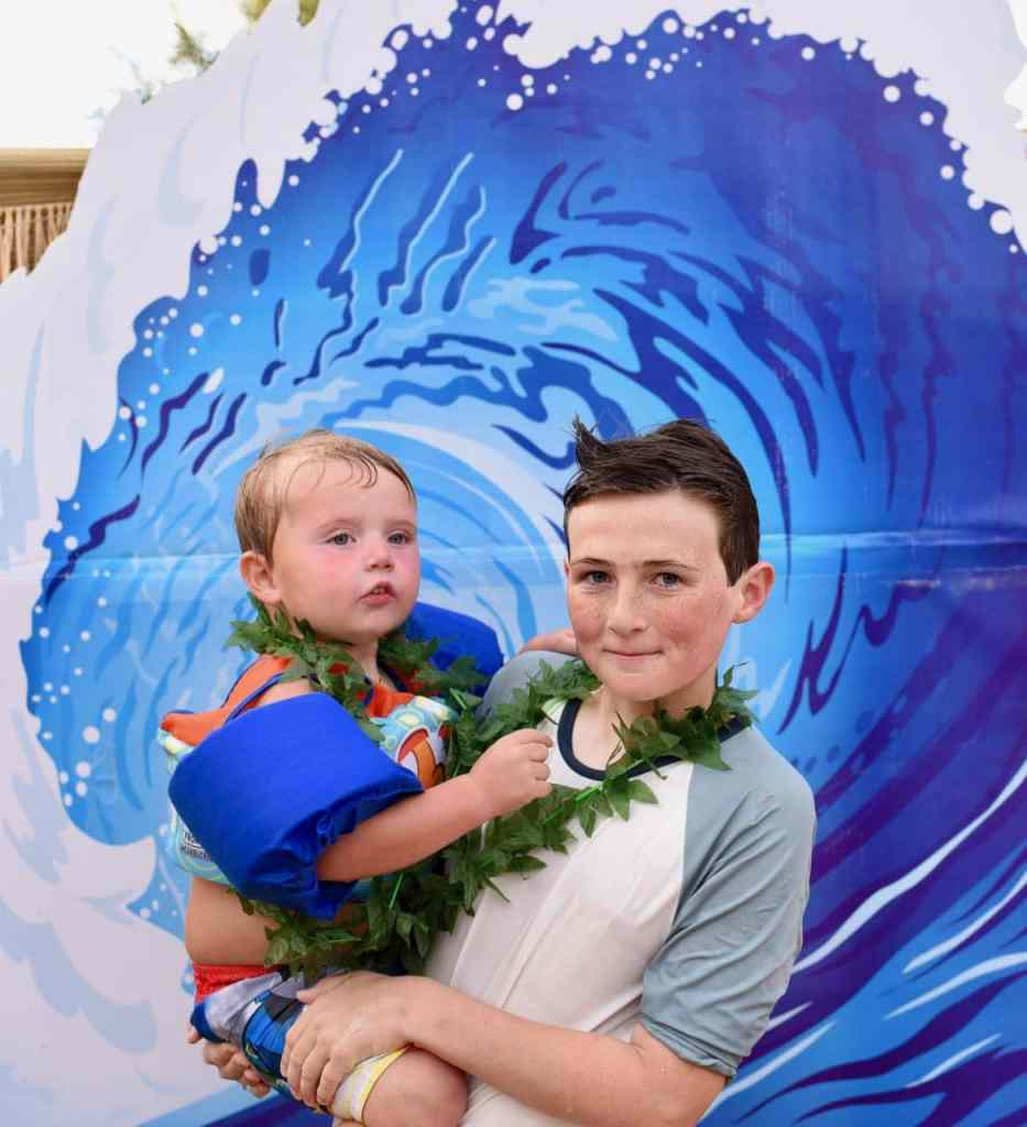Surf party wave photo booth