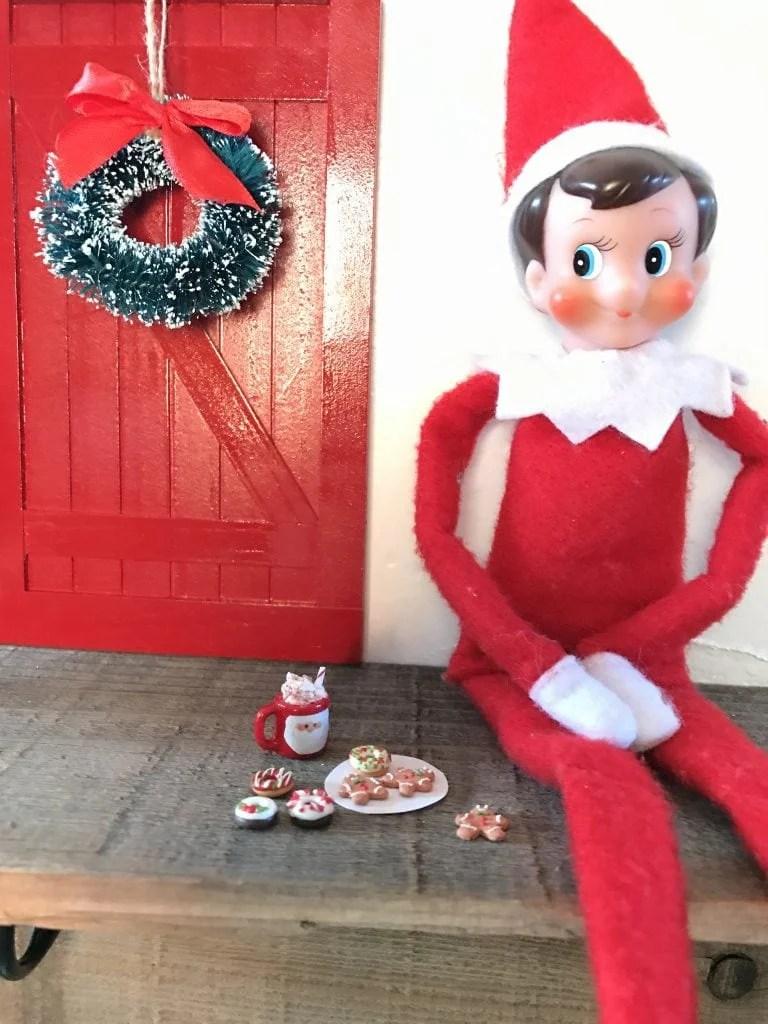 Elf on the Shelf door DIY