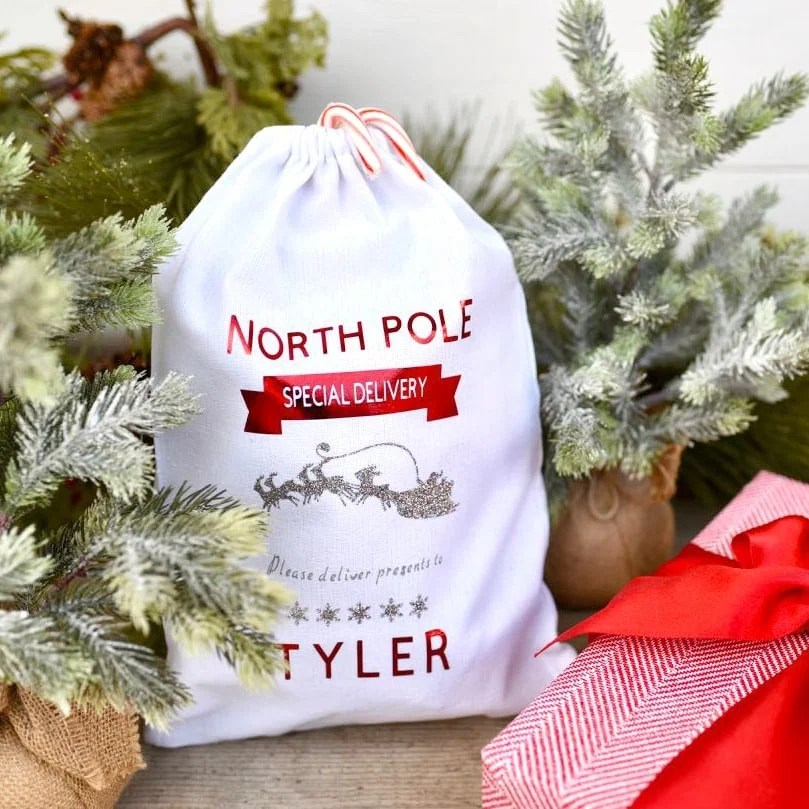 DIY personalized Christmas sack gift bag with Cricut tutorial square