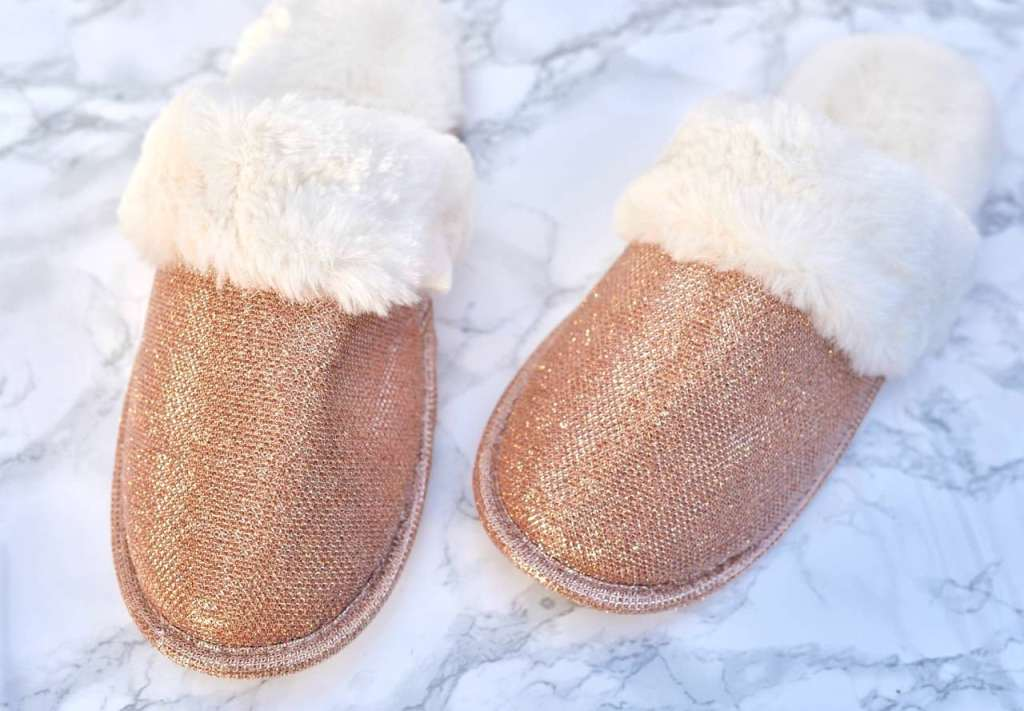 Slippers for guest welcome basket-