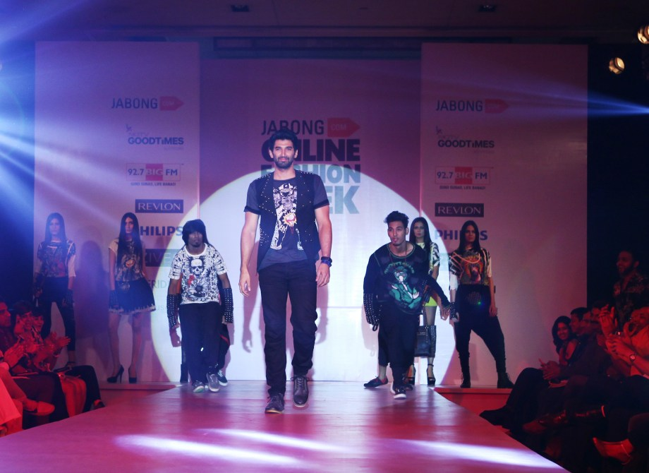 Aditya Roy Kapur (Centre), showstopper for Nitin Bal Chauhan at Jabong Online Fashion Week