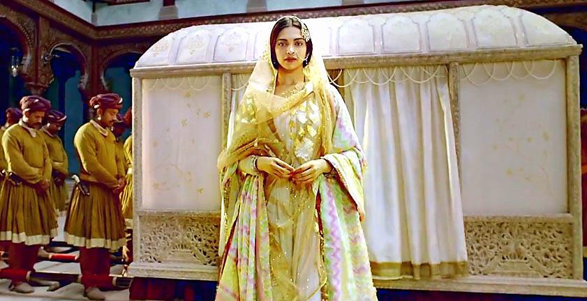 Bajirao Mastani Deepika Padukone best Anju Modi design
