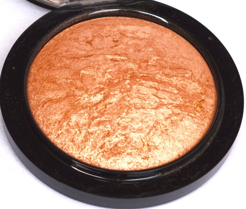 MAC Cheeky Bronze Mineralize Skinfinish Highlighter Review Swatches Focus