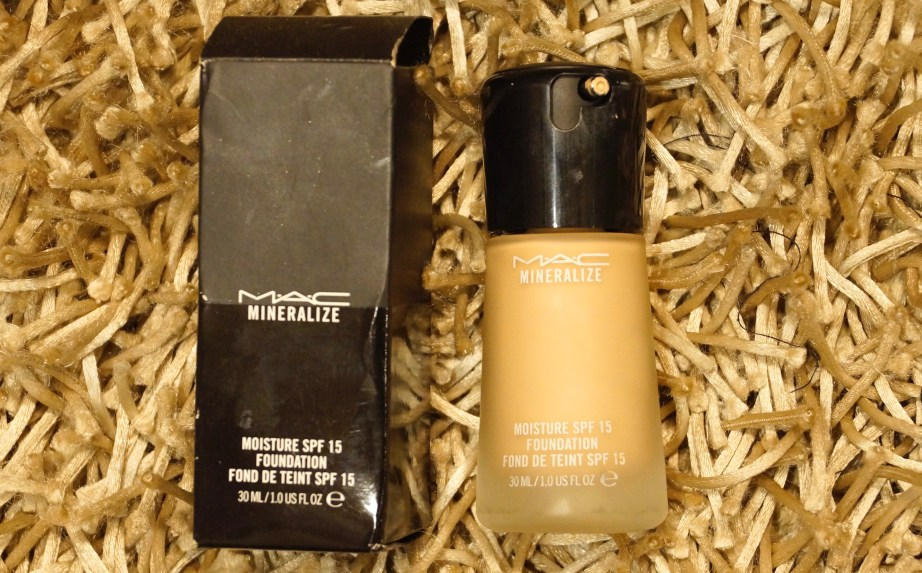 MAC Mineralize Moisture SPF 15 Foundation Review Swatches MBF Blog