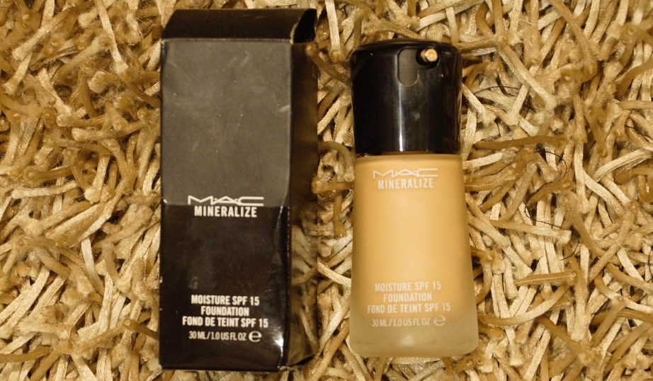 MAC Mineralize Moisture SPF 15 Foundation Review Swatches MBF
