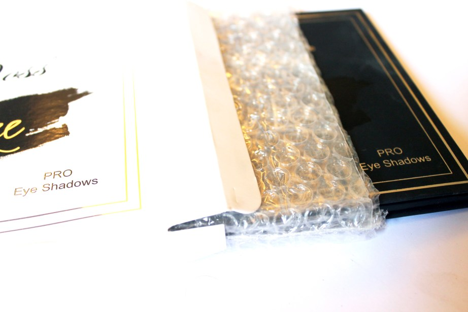 Violet Voss x Laura Lee Eye Shadow Palette Review Swatches box