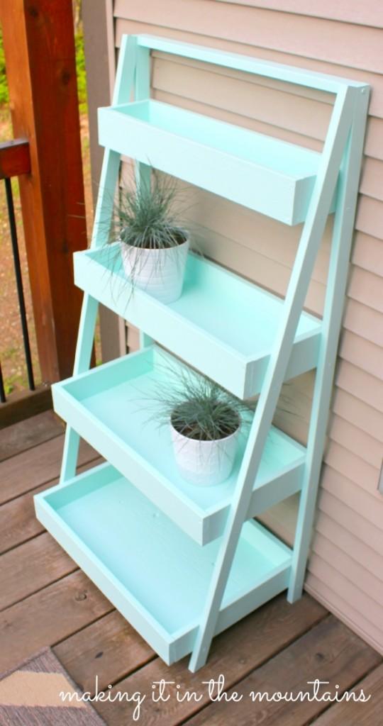 DIY Ladder Shelf @ making it in the mountains