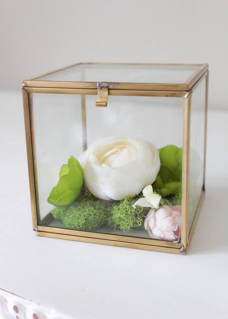 10 Minute Decorating: Simple & Pretty Faux Flower Box Terrarium