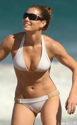 jessica_biel_bikini12_lg