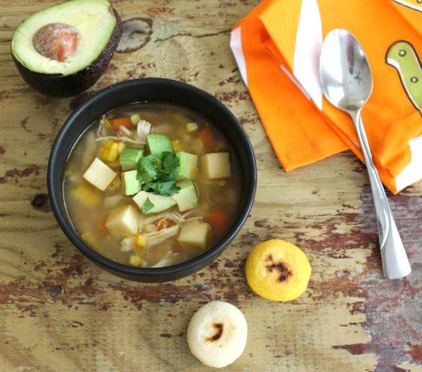 Sopa de Arepa y Aguacate   Mamá Contemporánea