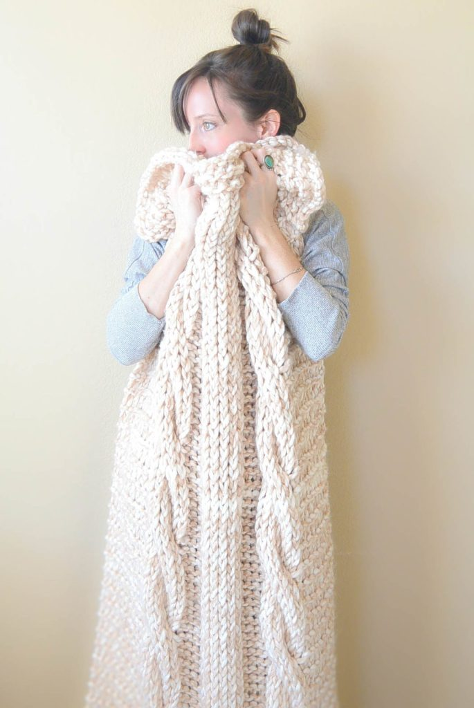 Cable Knit Afghan Pattern : Endless Cables Chunky Knit Throw Pattern