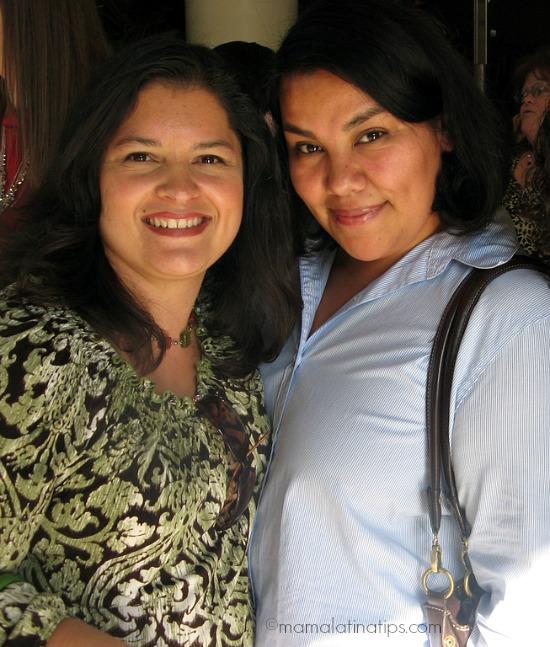 Silvia Martinez y Liz Cerezo de disneylandiaaldia.com