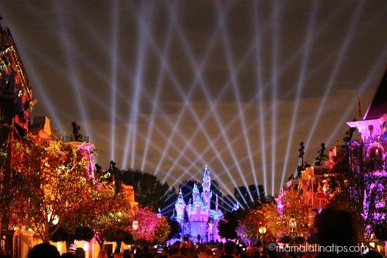 Disneyland Forever Fireworks - mamalatinatips.com
