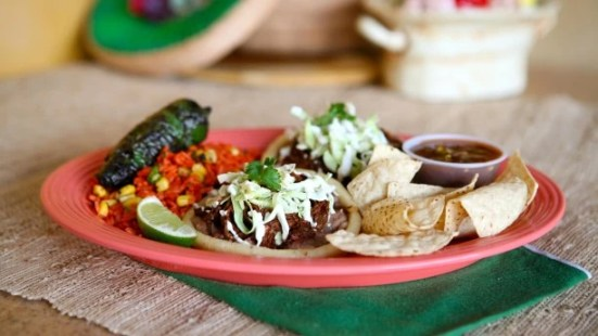 Sopes de barbacoa in Disney California Adventure