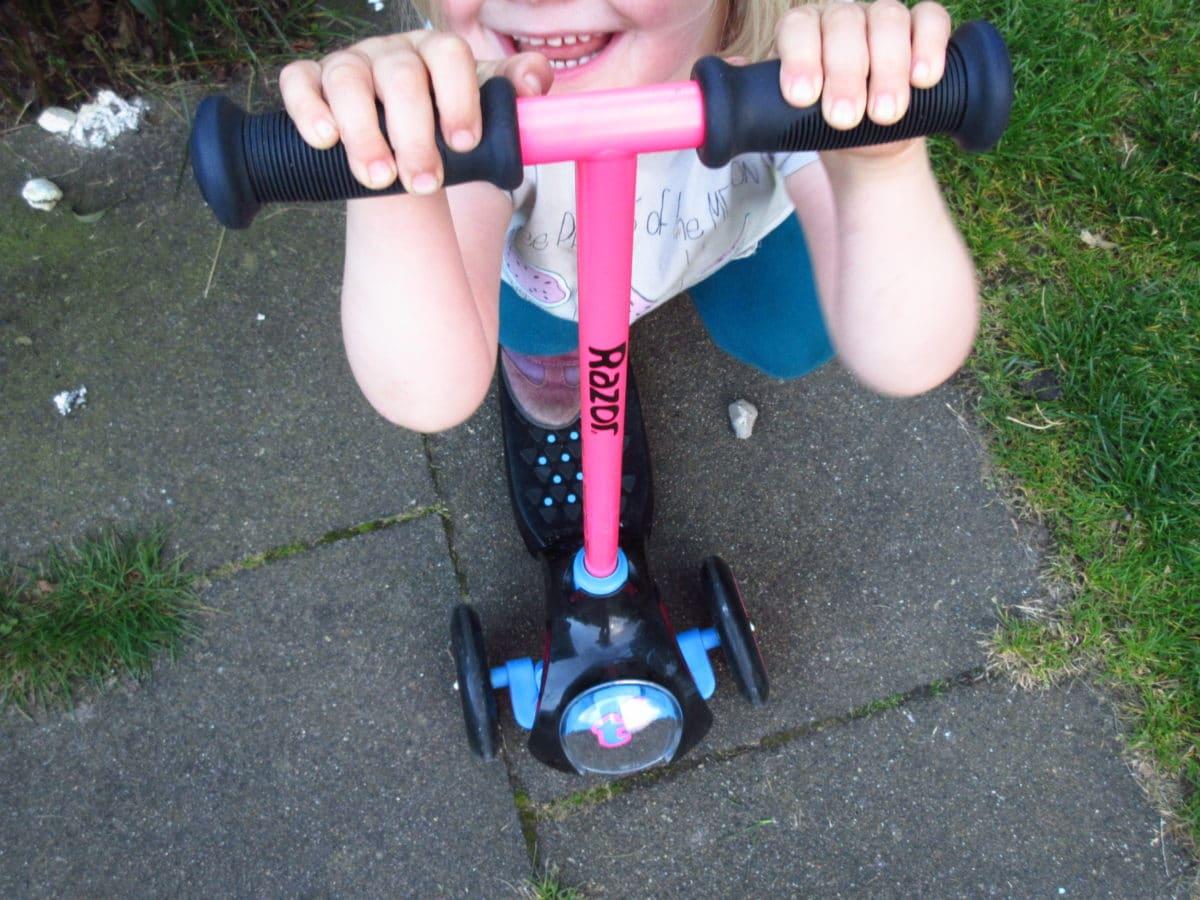 Nach Laufrad kommt der Roller: Mulle's spaciger Razor Junior T3