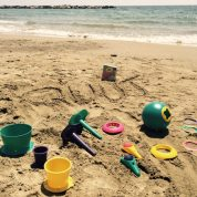 Quut invente les jouets de plage qui vont révolutionner vos vacances! (un lot de jouets de plage à gagner )