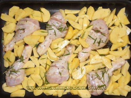 Cosce di pollo al forno con patate, ricetta e foto in ricette facili ricette