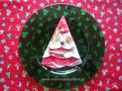 Piegare tovaglioli per Natale: albero di Natale n.4